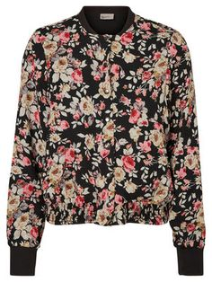 Cool VERO MODA bomber jacket. Perfect for chilly summer days.