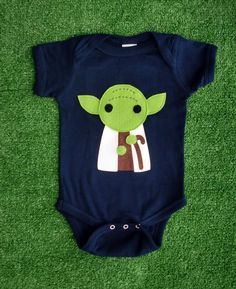 Yoda baby jumper. Because every infant needs a little nerd factor before they can choose their own clothes :) So doing this!