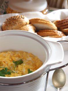 """Breakfast in """"Swans"""" - Riverside Manor"""