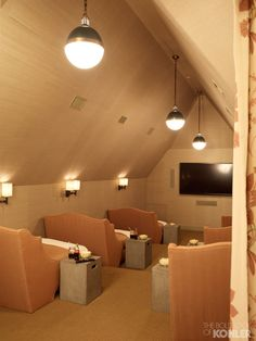 Home Theater Room Ideas. Start by determining the overall theme that will be used for your home theater design. Style At Home, Home Theater Rooms, Attic Theater, Attic Loft, Cinema Room, Attic Ladder, Attic Playroom, Kids Theatre, Garage Attic