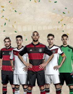 Marcel Schmelzer, Mesut Özil, Sidney Sam, Philipp Lahm, and Manuel Neuer