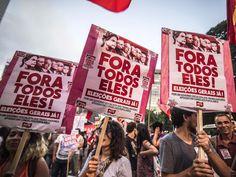 Protesto contra o governo Dilma e a oposição, toma um dos sentidos da Avenida Paulista, em São Paulo (SP), na noite desta sexta-feira (01). O movimento pede eleições gerais no país