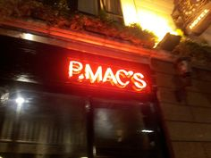 P Macs in Dublin Craft beer and free sweets! Best Craft Beers, Best Pubs, Mac S, Tourist Trap, Dublin, Sweets, Free, Travel, Viajes