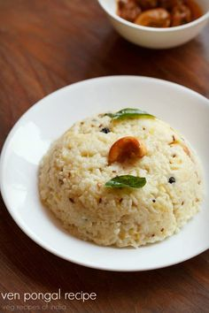 ven pongal recipe - popular south indian breakfast made with rice and yellow moong lentil #southindian #snack
