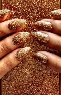 Selena Gomez glitter nails