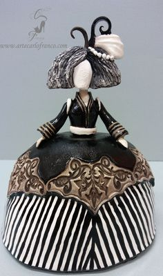 Paper Mache Sculpture, Sculptures, Ceramic Painting, Ceramic Art, Paper Dolls, Art Dolls, Ceramic Figures, Bottle Art, Craft Work
