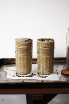 This Rawsome Vegan Life: RAW VEGAN CHOCOLATE CHIP BANANA MYLKSHAKE