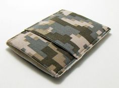 Thin sleek wallet pouch mens 'camouflage' by jackandbeedesigns. $14.00, via Etsy.