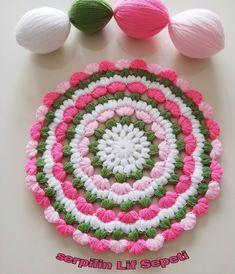 Crochet Rug Patterns, Knitting Patterns, Crochet Crafts, Crochet Projects, Thali Decoration Ideas, Woolen Craft, Rainbow Crochet, Diy Crafts For Gifts, Crochet Scarves
