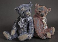 "Fedya (12"") & Petya (11"") Humble-Crumble Bears - www.victoriaallum.co.uk"
