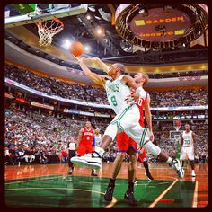 Rondo came up big in the 4th quarter and the Celtics defeat the Sixers 85-75 in Game 7 to advance to the Eastern Conference Finals against the Heat #boston #celtics #bostonceltics #iamtheplayoffs #iamaceltic #celticsplayoffs @philadelphia76ers #76ers #sixers #nba #playoffs #game7 #seven