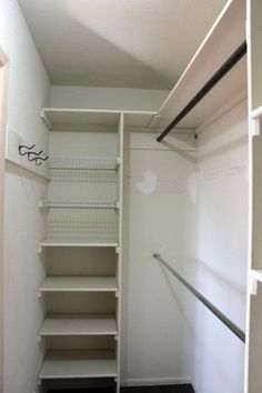 In Closet Organization Diy Layout Decor 16 Ideas - Claire C. In Closet Organization Diy Layout Decor 16 Ideas - Claire C. Closet com gavetas e prateleiras New DIY Wardrobes Design 75 best walk in closet ideas and picture your master bedroom 9 Small Master Closet, Walk In Closet Small, Walk In Closet Design, Bedroom Closet Design, Master Bedroom Closet, Closet Designs, Tiny Closet, Diy Bedroom, Corner Closet