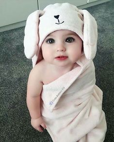 35 New Ideas Baby Pictures Girl Children Cute Little Baby, Baby Kind, Little Babies, Cute Kids Pics, Cute Baby Girl Pictures, Beautiful Children, Beautiful Babies, Cute Babies Photography, Amazing Photography