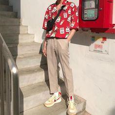 Retro style: how to Estilo retrô: como usar? Retro style: how to use? Retro Outfits, Vintage Outfits, Mode Hipster, Korean Fashion Men, Retro Fashion Mens, Retro Men, Street Fashion Men, Fashion Menswear, Dope Fashion