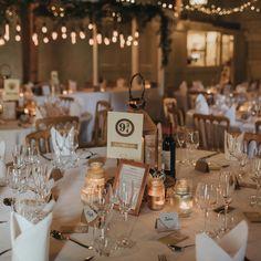Platform 9 3 4 table centrepiece at wedding - Harry Potter theme ideas Harry Potter Table, Décoration Harry Potter, Harry Potter Wedding, Harry Wedding, Wedding Centerpieces, Wedding Table, Our Wedding, Dream Wedding, Wedding Decorations