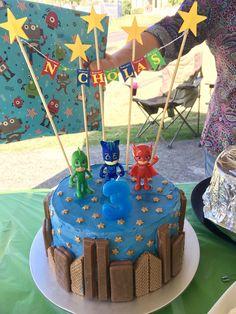 Pj masks birthday cake with city scape Pj maskiert Geburtstagstorte mit Stadtbild Pj Masks Birthday Cake, Birthday Cake Kids Boys, Boy Birthday Parties, 4th Birthday, Birthday Ideas, Superhero Birthday Cake, Women Birthday, Husband Birthday, Pjmask Party