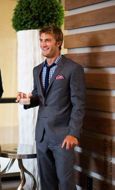 Love a good gray suit Cheap Suits, Suit Up, Mens Fashion, Fashion Suits, Grey, Charcoal Gray, Night Out, Suit Jacket, Handsome