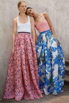 Get inspired and discover Carolina Herrera trunkshow! Shop the latest Carolina Herrera collection at Moda Operandi. Fashion Weeks, Fashion 2018, Look Fashion, Runway Fashion, High Fashion, Fashion Show, Fashion Design, Fashion Trends, Fashion Spring