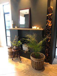 Une maison agrandie dans l'est londonien - PLANETE DECO a homes world House Extension Design, Extension Designs, Style Salon, House Extensions, Living Room Designs, Ladder Decor, Planter Pots, New Homes, Architecture