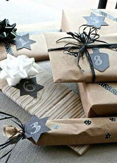a gift every hour wrapped and numbered gifts Paper Bag Gift Wrapping, Creative Gift Wrapping, Paper Gift Bags, Christmas Gift Wrapping, Hanukkah Gifts, Hannukah, Star Wars Christmas, 70th Birthday Parties, Birthday Gifts For Boyfriend