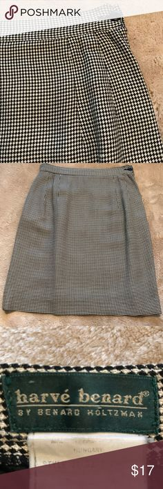 """Patterned skirt Black and white patterned rayon skirt. Lined with side zip and button. Dry cleaned after worn. Great preowned condition.  Waist 12.5"""" across Length 18.5"""" Harve Benard Skirts"""