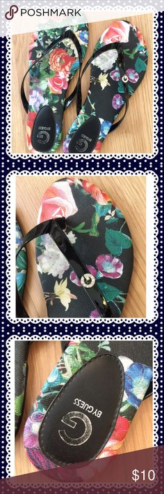 G by Guess flowered print slippers 👡 This adorable pair from Guess. I only worn twice because I don't really wear slippers. Size is 6 M.  Great condition. G by Guess Shoes Slippers