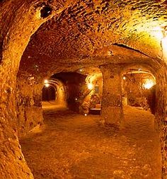 the ancient city of Derinkuyu in Turkey, all underground, held tens of thousands of people! no evidence of collapse, perfect air control.
