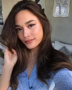 Crushing on light brunette colour hair 💁♀️ Light Brunette, Brunette Color, Hair Color Asian, Asian Hair, Hair Inspo, Hair Inspiration, Asian Makeup Before And After, Natural Glowy Makeup, Exotic Makeup