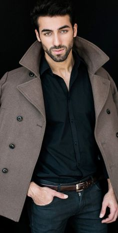 Brown jacket goes well with the black shirt!