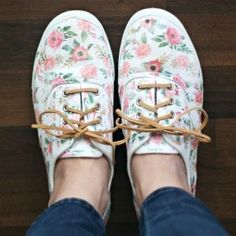 These DIY Floral Sneakers came together in no time, and were so easy to make, thanks to printable iron transfer paper. Just iron it on, add some new laces, and you have the perfect spring shoes! Floral Sneakers, Floral Shoes, Sneakers Fashion, Fashion Shoes, White Canvas Shoes, White Shoes, Birkenstock Shoes, Keds, Shoe Makeover