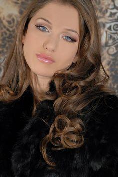 http://www.theapricity.com/forum/showthread.php?73298-Albanian-Women-Femrat-Shqiptare