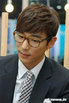 2011-6-14 media interview |  Kim Ji Han (Jin Yi Han)