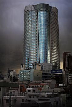 Roppongi Hills Tower in Roppongi, Tokyo, Japan