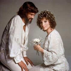 "Kris Kristofferson i Barbra Streisand - ""Narodziny gwiazdy"" Vintage Inspired Wedding Dresses, Boho Wedding Dress, Kris Kristofferson, Star Wars, Barbra Streisand, We Movie, A Star Is Born, Sound Of Music, Look At You"