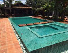 Aplicações e ambientes – Página: 2 – Cerâmica Atlas Swimming Pools Backyard, Small Garden Design, Pool Designs, Jacuzzi, Outdoor Decor, Gardens, House, Home Decor, Pool Backyard