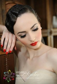 Classic Old-Hollywood Wedding Makeup and hair
