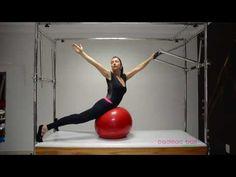 Pilates - Fortalecimento de Cadeia Posterior com a Bola de Pilates no Cadillac. - YouTube