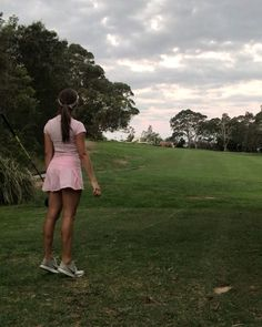 Taking advantage of the last few days of daylight savings 😅 Girls Golf, Ladies Golf, Kilt Skirt, Golf Practice, Golf Outfit, Sexy Women, Lady, Videos, Sports