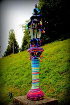 Yarn bombing. Neat Idea! #Festive and fun. Make the world colorful. ;) #SuiGeneris #MakaniEclectic