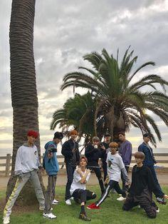 nct in house yo ! Nct 127, Lee Taeyong, Winwin, Santa Monica, Jaehyun, Fanfiction, K Pop Wallpaper, Future Wallpaper, Nct Group