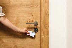 Häfele schimbă cheia tradițională cu una digitală