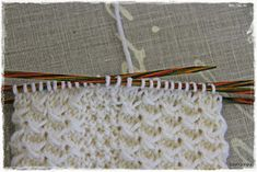 Suvikumpu: Nappivarsisukat - ohje Wool Socks, Knitting Socks, Clothes Hanger, Friendship Bracelets, Knit Socks, Coat Hanger, Woolen Socks, Clothes Hangers, Clothes Racks