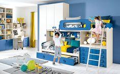Con Sierra puoi realizzare una parete con tre letti e un comodo armadio in pochissimo spazio.