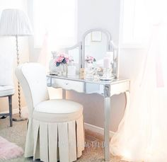 10 Most Pretty & Inspirational Bedroom Must Haves-1-22