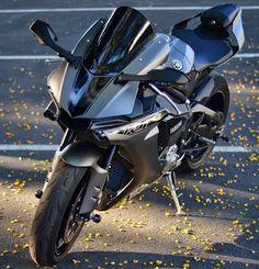@sportbikesquad ➖➖➖➖➖➖➖➖➖➖➖➖➖➖➖ #2wheelslovers #Motorcycle #instamotogallery #ducati #bikelife #moto #motogp #sportbike #superbike #instamotorcycle #instamoto #pistonaddictz #bikeswithoutlimits #sportsbikelife #r1 #honda #yamaha #kawasaki #suzuki #mvagusta #cbr600rr #r6 #s1000rr #bikenight #yzf #yamahar1 #rideout #motogp2016 #bikerchick  #harleydavidson