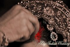 Sindoor or Vermillion is is put for the first time by the groom during the wedding. It indicates that a woman is married. The powder is red in color which symbolizes fertility and regenerative power of women. Bride Quotes, Indian Marriage, Hindu Culture, Hindu Bride, Wedding Rituals, Married Woman, Bride Look, Red Dots, Bridal Portraits