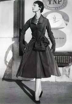 'Ecarlate' cocktail dress by Christian Dior. Red silk grosgrain, Autumn/Winter 1955-6.