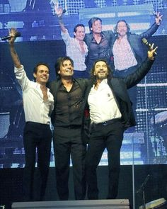 Photos: Marc Anthony, Marco Antonio Solis, and Chayanne wave goodnight to adoring fans at American Airlines Center (September 2)   www.pegasusnews.com   Dallas/Fort Worth - Photo by Steve Lee