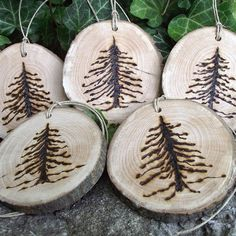 5 Rustic Wood Burned Pine Tree Branch Gift Tags/Ornaments - A perfect embellishment for gift bags and boxes, baked goods, from ARemarkYouMade on Etsy. Wood Burning Crafts, Wood Burning Patterns, Wood Burning Art, Wood Ornaments, Xmas Ornaments, Noel Christmas, Rustic Christmas, Beach Christmas, Christmas Ideas