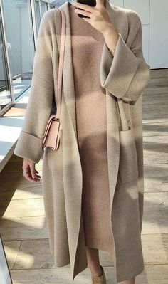 Winter Elegant Winter Coats Loose knit Cardigan Woolen Sweater Oversized - Winter Outfits for Work Modest Fashion Hijab, Winter Fashion Outfits, Muslim Fashion, Modest Outfits, Classy Outfits, Look Fashion, Fall Outfits, Autumn Fashion, Winter Coat Outfits